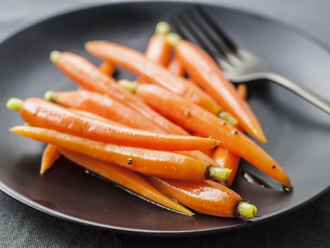 Cà rốt tí hon xào