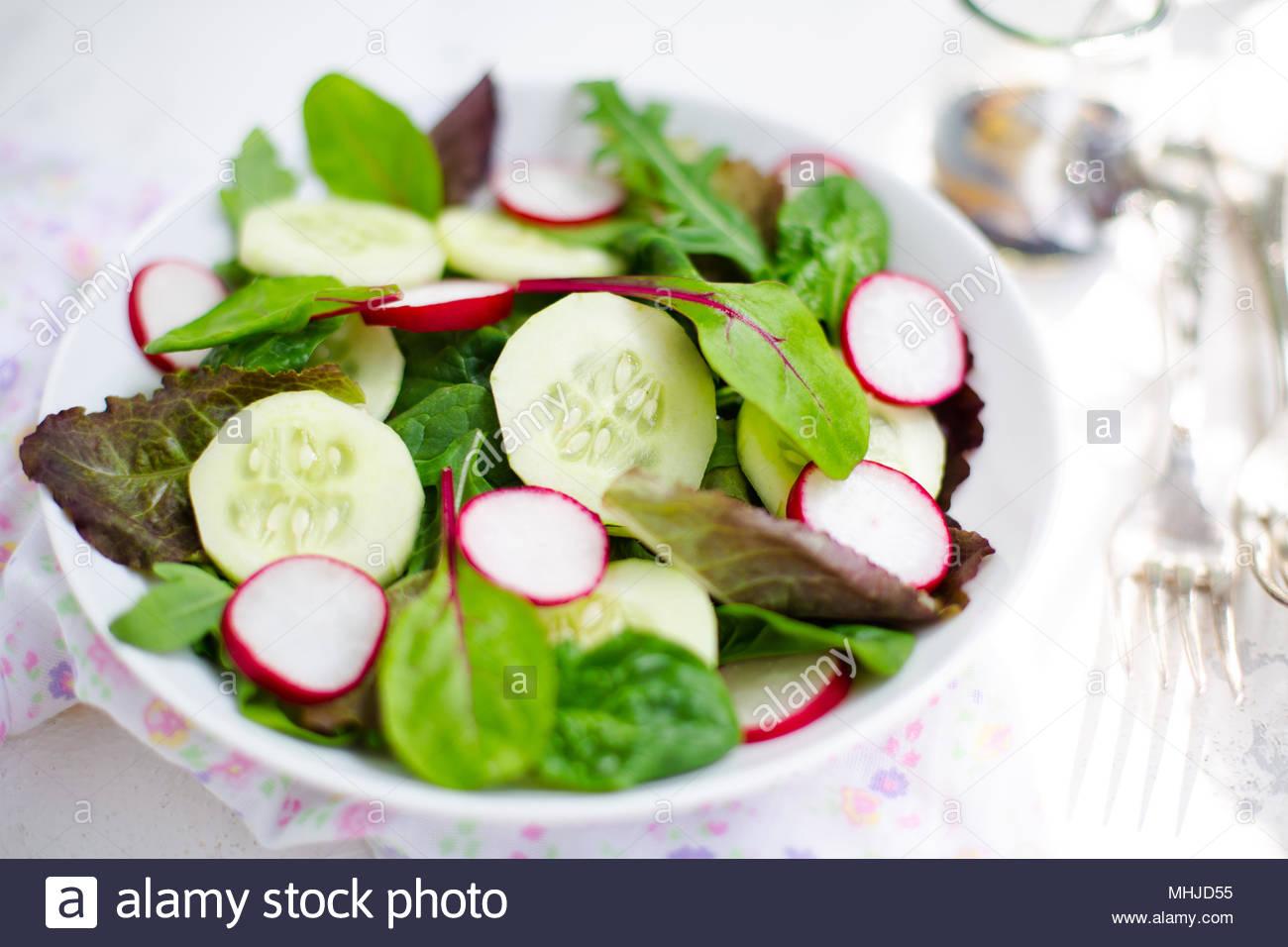 Salad củ cải đỏ baby